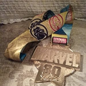 Disney Marvel Gold Metal Award 80 years New